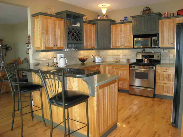 kitchen colors with oak cabinets pictures_44